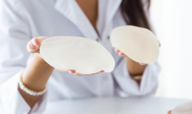 mediquo protesis mamarias. Silicona. Lactancia. Mastitis. Mediquo, tu amigo médico. chat médico.