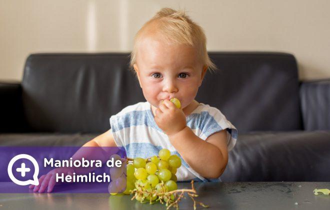 Maniobra de Heimlich. Atragantamiento en niños. comiendo uvas. qué hacer y qué no hacer. padres, madres. Mediquo. Tu amigo médico. Urgencia. Chat médico.