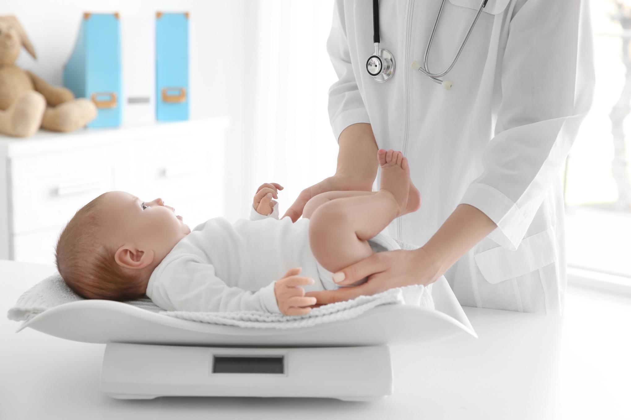 Prueba del talón, recién nacido. Pediatría. Mediquo, Tu amigo médico. Chat médico.