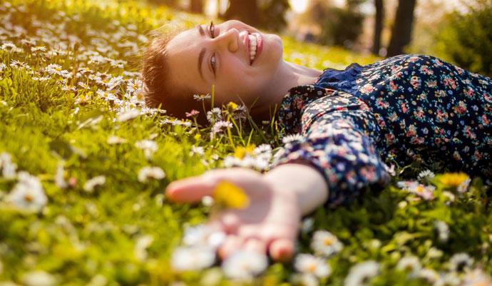 Astenia primaveral o cansancio. Síntoma de la primavera, organismo. Mediquo, tu amigo médico. Chat médico. Salud.