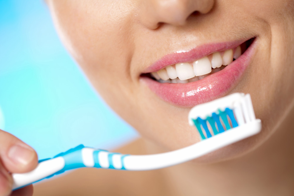 mediquo cepillado dientes. Piorrea, salud dental, prevención. mediquo, tu amigo médico. Chat médico.